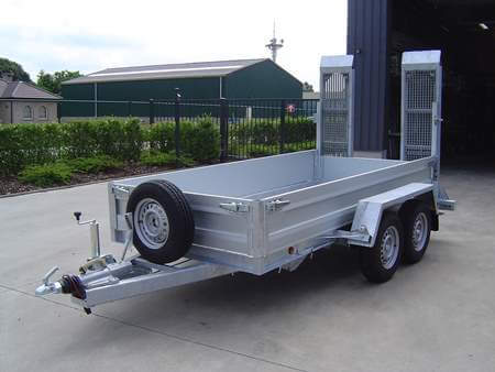 Machinetransporter Dreamtrailer met aluminium bak