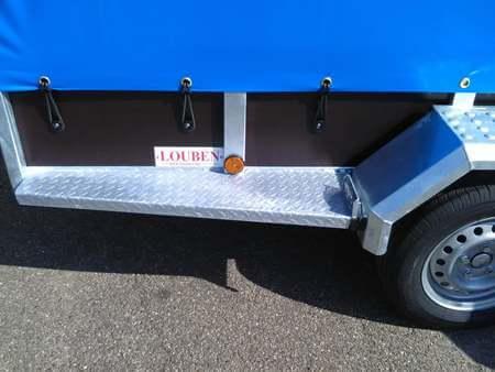 Bakaanhangwagen BCW T750 op maat opstap zijkant