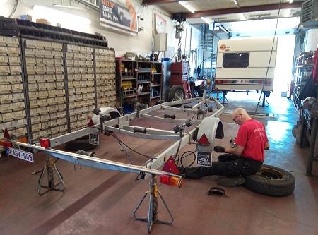 Werkplaats herstelling boottrailer en caravan