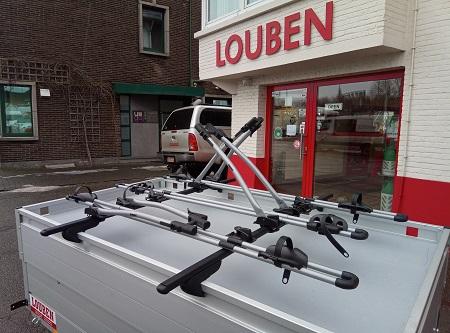 Dwarsliggers Van Bosal Gemonteerd Met Thule Fietsendragers Op Anssems GT